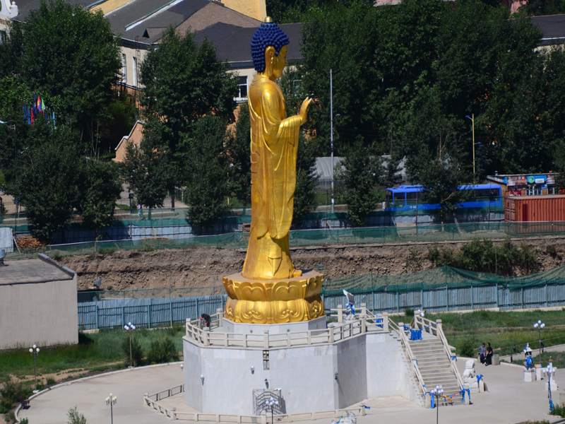 buddha-statue-view-from-zaisan-hill