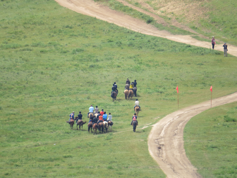 group-horse-riders-in-mongolia